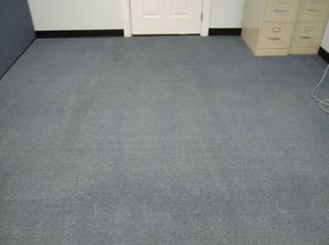 Before & After Commercial Carpet Cleaning in Columbus, IL (2)