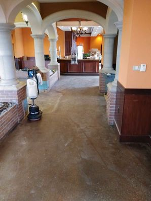 Before & After Floor Cleaning in Columbus, IN (2)